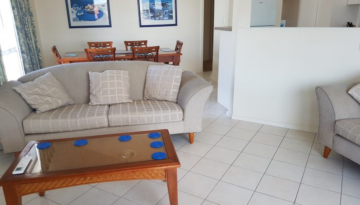 Beachcomber Port Elliot Encounter Holiday Rentals Lounge looking to Dining Area