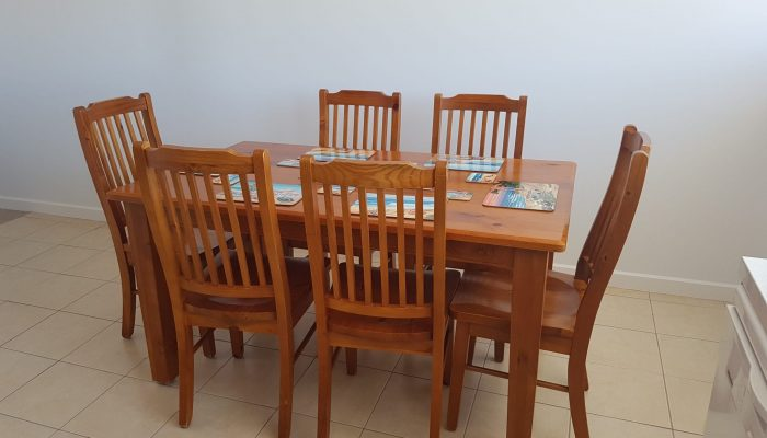 Meridian Port Elliot Encounter Holiday Rentals Dining Area