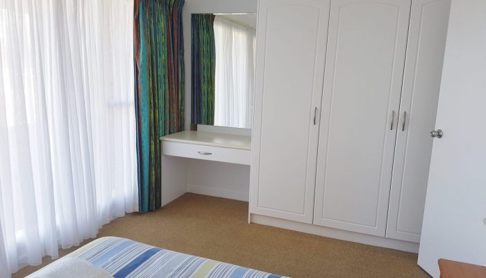 Meridian Port Elliot Encounter Holiday Rentals Queen Room with Desk