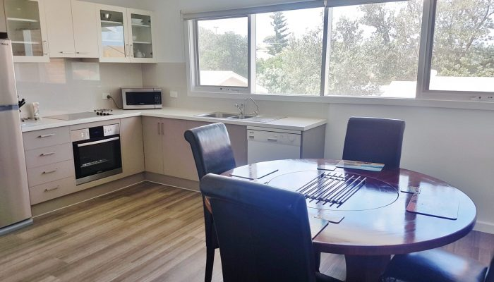 Neptune Port Elliot Encounter Holiday Rentals Dining and Kitchen
