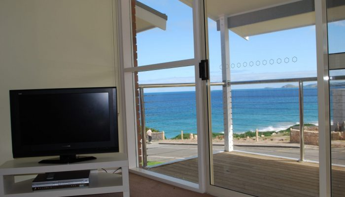 Neptune Port Elliot Encounter Holiday Rentals Lounge view