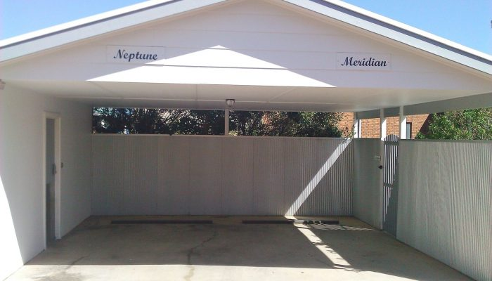Neptune and Meridian Port Elliot Encounter Holiday Rentals Carports